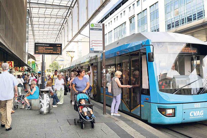 Immer weniger Rathausmitarbeiter nutzen ein Job-Ticket, um mit Bus oder Bahn auf Arbeit zu kommen.