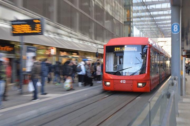 Braucht man bald keine Tickets mehr? Geht es nach der Bundesregierung, sollen Bus- und Bahnfahren kostenlos werden. Der Plan ist umstritten.