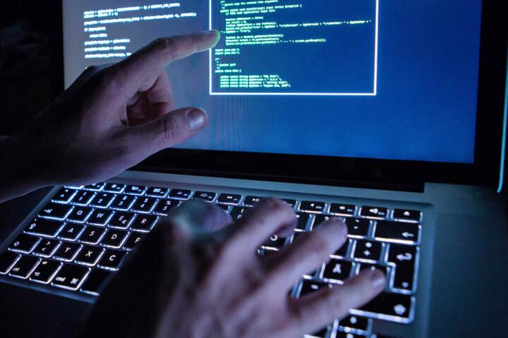 Staatstrojaner nutzen Sicherheitslücken in Computernetzwerken. (Symbolbild)