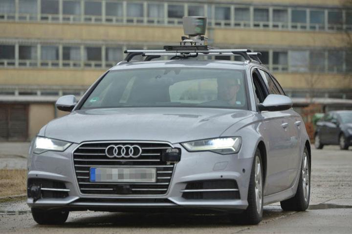 Die Firma Intenta bringt Autos wie diesem Audi das Fahren bei.