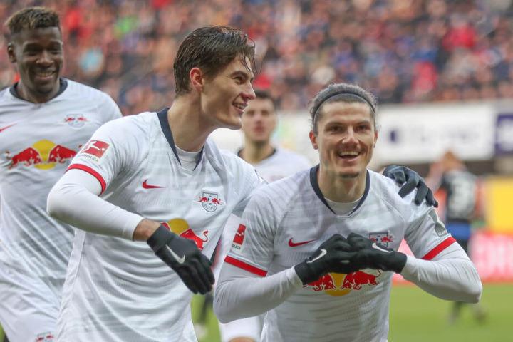 Zwei Torschützen unter sich: Innerhalb von knapp 80 Sekunden trafen Patrik Schick (M.) und Marcel Sabitzer (r.) zweimal.
