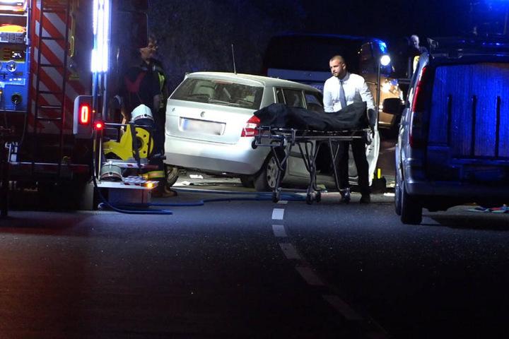 Die Frau starb noch in den Trümmern ihres Wagens.