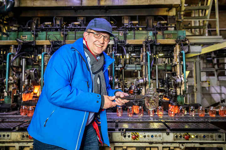 Nudossi-Geschäftsführer Thomas Hartmann ist stolz auf die neue, wertige Verpackung.