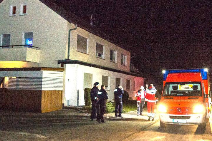 In dem Rettungswagen saß der Mann, der danach in eine Klinik in Bielefeld gefahren wurde.