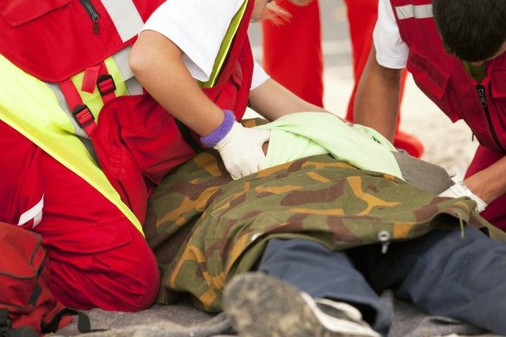 Die Einsatzkräfte konnten das Leben des Mannes nicht mehr retten (Symbolbild).