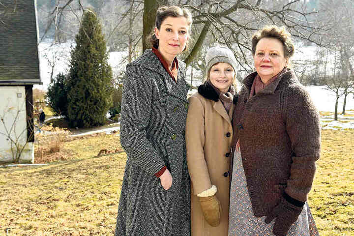 """Stehen derzeit für """"Warum"""" in Sachsen vor der Kamera: Alexandra Maria Lara, Carlotta von Falkenhayn und Swetlana Schönfeld (v.l.n.r.)."""