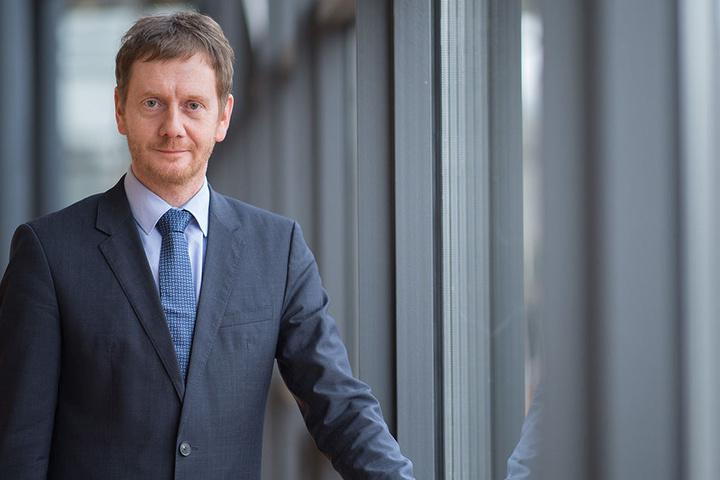 Michael Kretschmer (42) soll auf einem Parteitag zum sächsischen Landeschef gewählt werden.