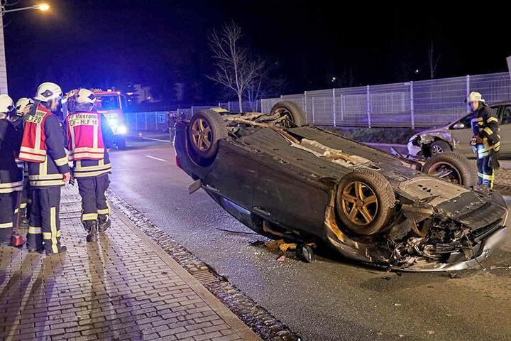 Der Honda-Fahrer wurde bei dem Unfall schwer verletzt.