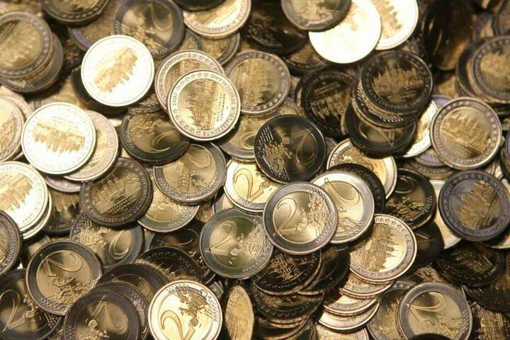 Insgesamt soll der einen vierstelligen Betrag in Münzgeld erbeutet haben. (Symbolbild)