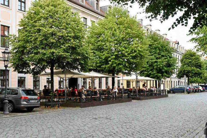 """Hier soll das Terence-Hill-Eis bald verkauft werden: Die """"Wenzel Prager Bierstuben"""" in Dresden."""