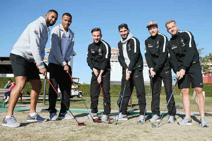 Das Auer Golf-Sextett (v.l.) Cebio Soukou, Louis Samson, Simon Skarlatidis, Fabio Kaufmann, Fabian Kalig und Pascal Köpke.