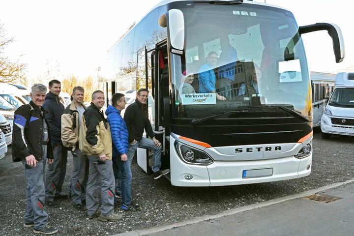 Werksverkehr heute: Der Bus steuert mehrere Orte in Ostsachsen an, bringt die Mitarbeiter nach Neustadt und zurück.