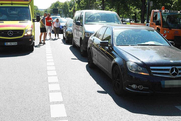 Drei Fahrzeuge waren an der Kollision auf der St. Petersburger Straße beteiligt.