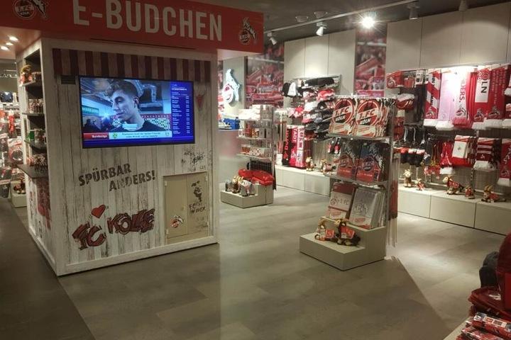 Auf 150 Quadratmetern präsentiert der Verein unzählige Fan-Artikel des 1. FC Köln.