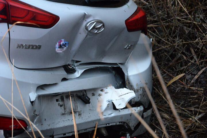 Der Hyundai-Fahrer konnte sein Auto aus eigener Kraft verlassen.