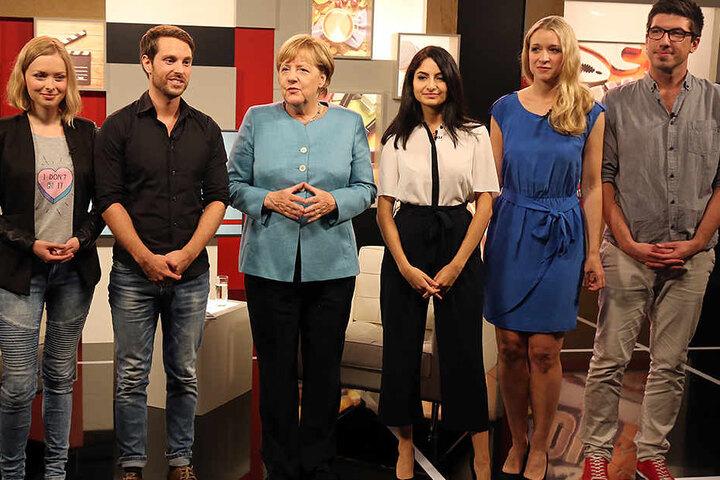 Bundeskanzlerin Merkel (CDU/63) stellte sich den Fragen dieser YouTuber.