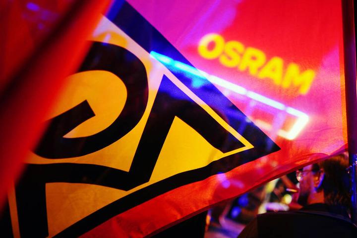 Osram will 800 von derzeit 5600 Arbeitsplätzen in Deutschland laut IG Metall streichen.