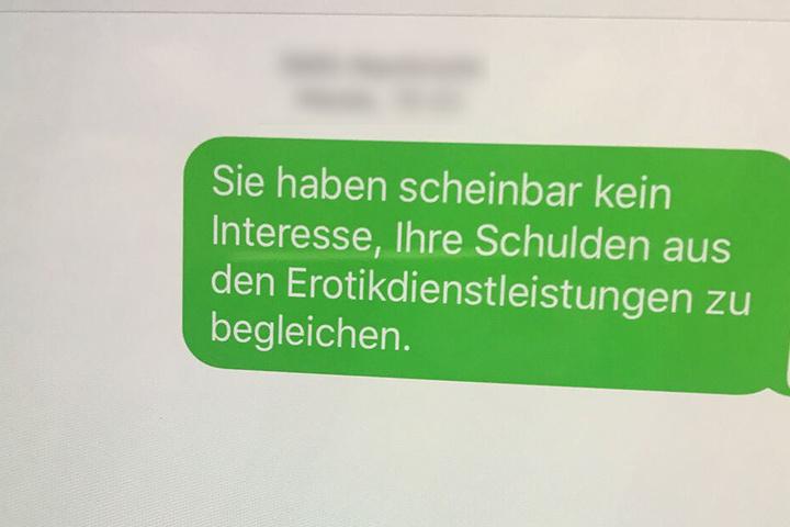 Die Betrüger verschickten ihre Drohungen per SMS. (Symbolbild)
