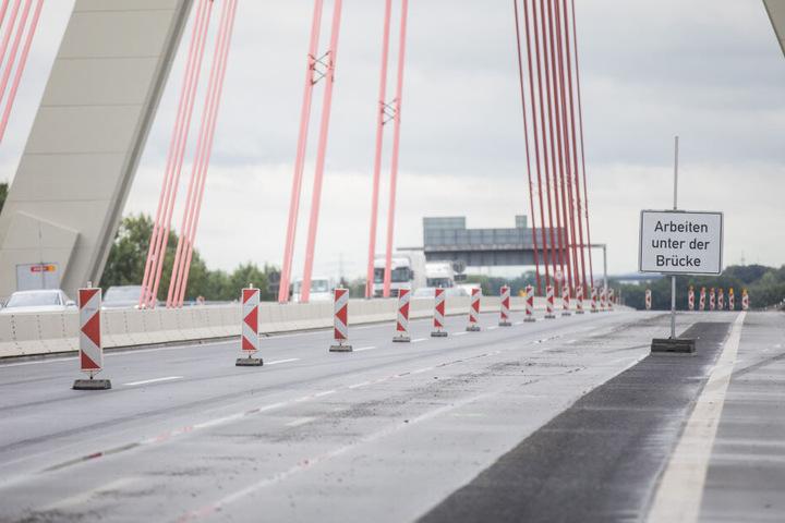 Die Fleher Brücke bei Düsseldorf.
