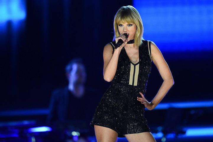 Die bekannte US-Sängerin Taylor Swift hat ein Herz für ihre Fans.
