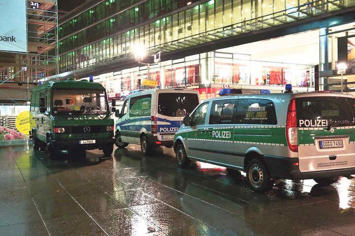 Auch wenn am Wiener Platz die Luft brennt, helfen die harten Jungs vom  Ordnungsamt aus.
