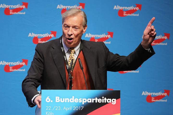 Es gibt Ärger für die niedersächsische AfD unter dem Vorsitz von Armin-Paul Hampel.