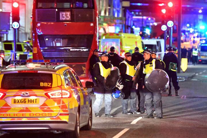 Die Polizei hat die Vorfälle an der London Bridge und am Borough Market als Terrorattacken eingestuft.