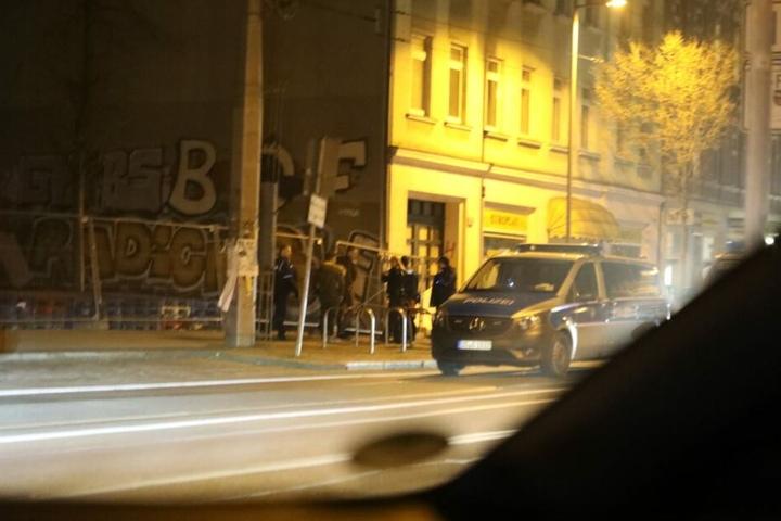 Ein Zeuge hatte die Beamten wegen einer angeblichen Massenschlägerei alarmiert. Vor Ort gab es dafür jedoch keine Anzeichen.
