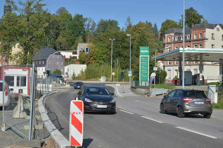 Wieder befahrbar: Zeitgleich zu den Arbeiten am Hochwasserschutz wurde auch die Straßenführung der Annaberger Straße verändert.