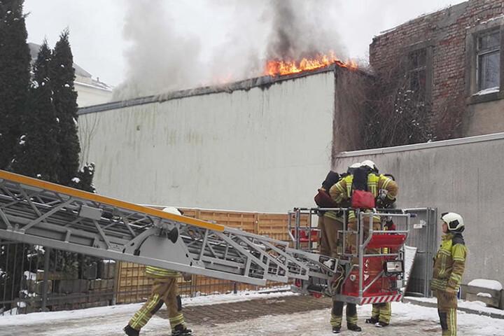Wie es zu dem Brand kam, ist noch nicht bekannt.
