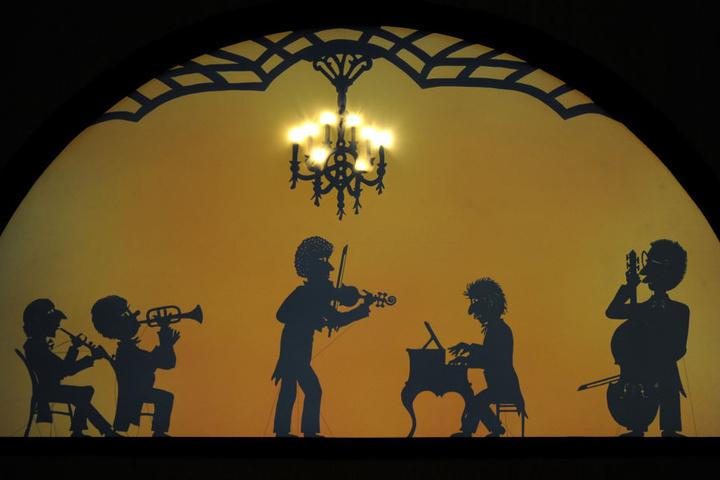 Steif und trocken? Das ist das Schattentheater über Erfurts Geschichte nicht.