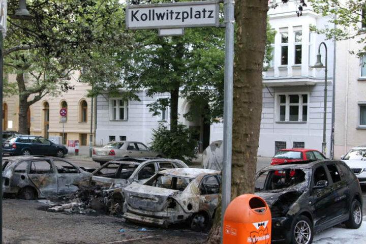 Auch diese Autos konnte die Feuerwehr nicht mehr retten.