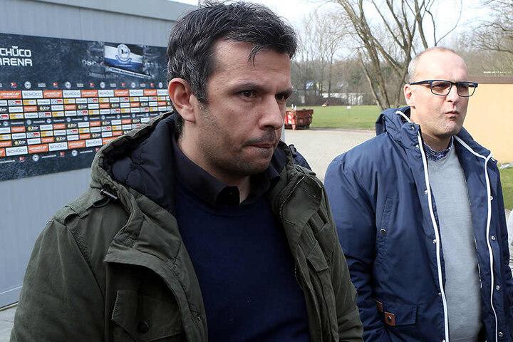 Am Dienstag gaben die Geschäftsführer Samir Arabi (li.) und Gerrit Meinke die Entlassung von Trainer Jürgen Kramny bekannt.