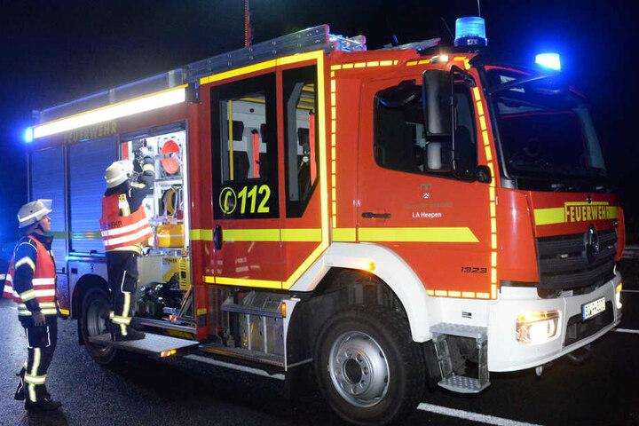 Die Feuerwehr rückte auf der A2 an.