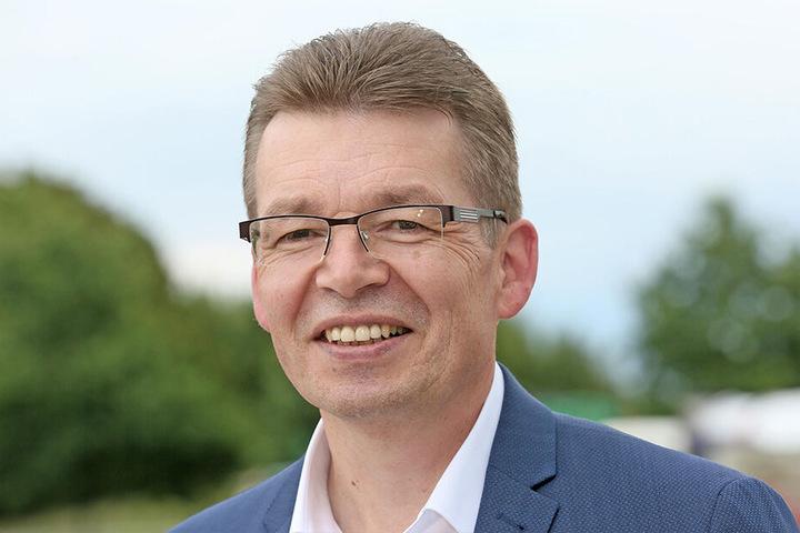 Reinhard de Vries (56), Geschäftsführer Technik & Logistik, freut sich über den Baubeginn.