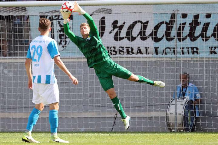 CFC-Keeper Jakub jakubov (29) musste im Testspiel gegen Dynamo Dresden nur ein einziges Mal hinter sich greifen.