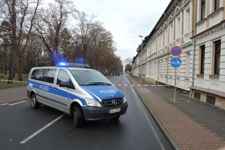 Die Polizei sperrte die Kutusowstraße ab.