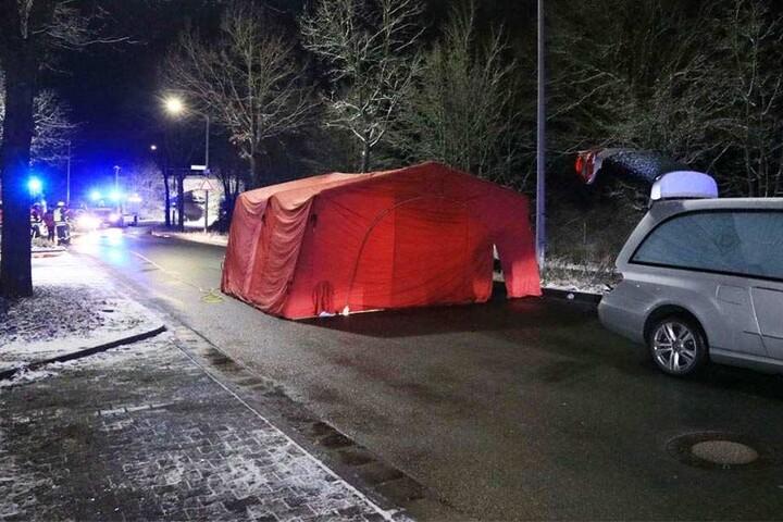 In Stein (Landkreis Fürth) entdeckten Passanten einen toten Mann auf der Straße.