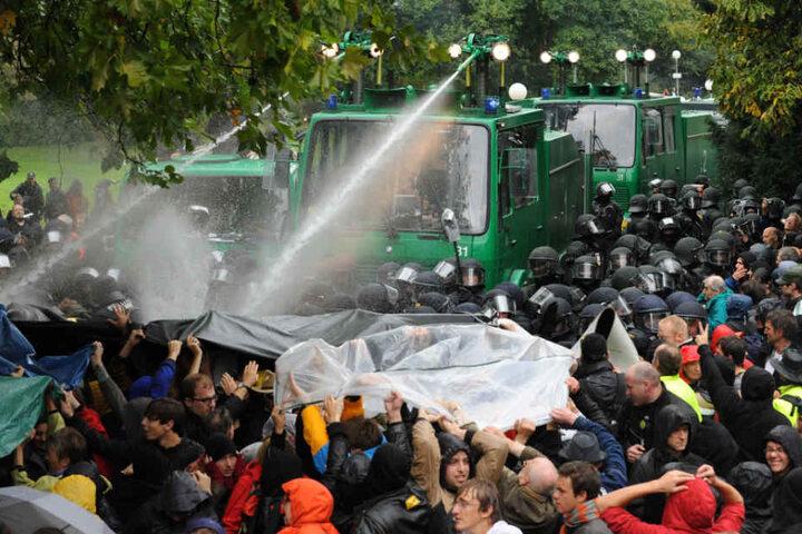 Im Jahr 2010 war es zu großen Protesten gegen das Bauprojekt gekommen.