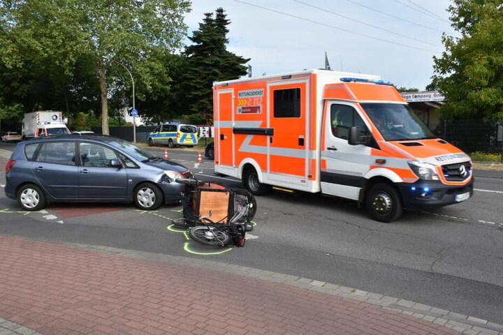 Die Frau auf dem Rad und ihr Kind wurden teils schwer verletzt.