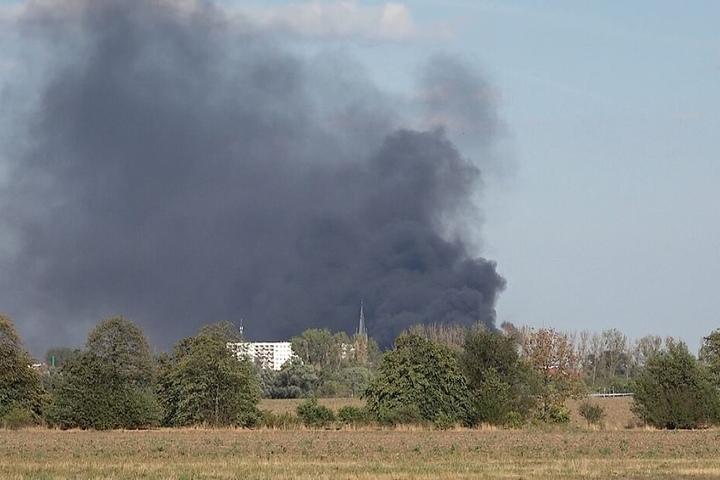 Die Rauchwolke war noch 30 Kilometer entfernt zu sehen.