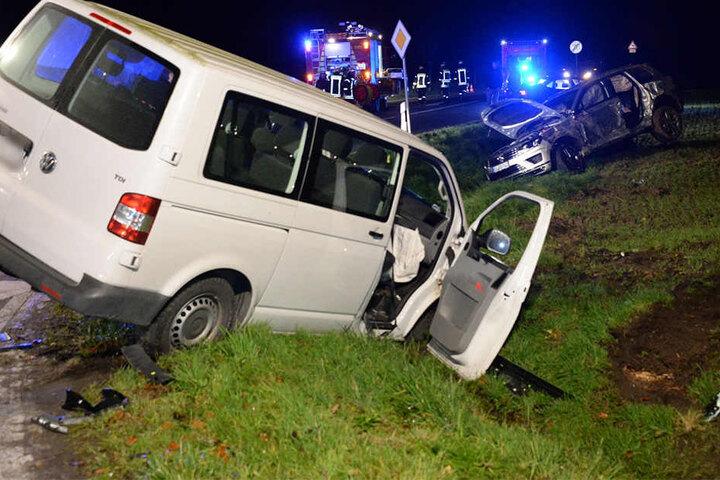 Sechs Menschen hat der Unfall Verletzungen zugefügt..
