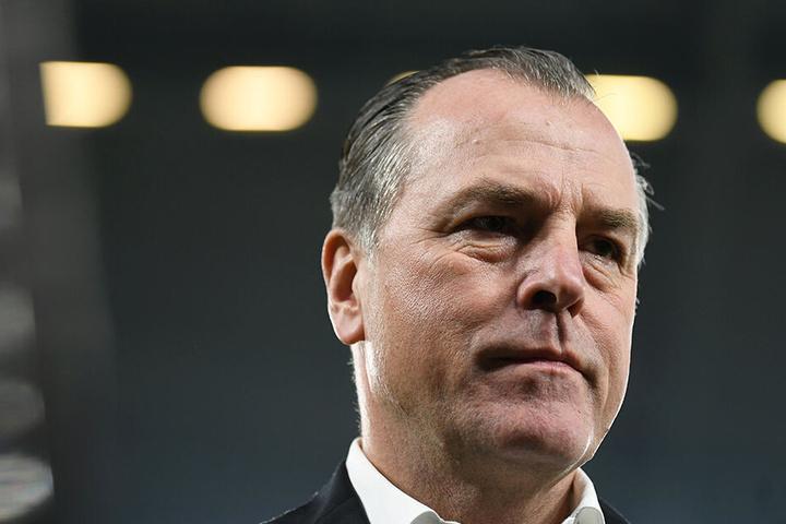 Schalkes Aufsichtsratsvorsitzender Clemens Tönnies wurde von der Entscheidung überrascht.