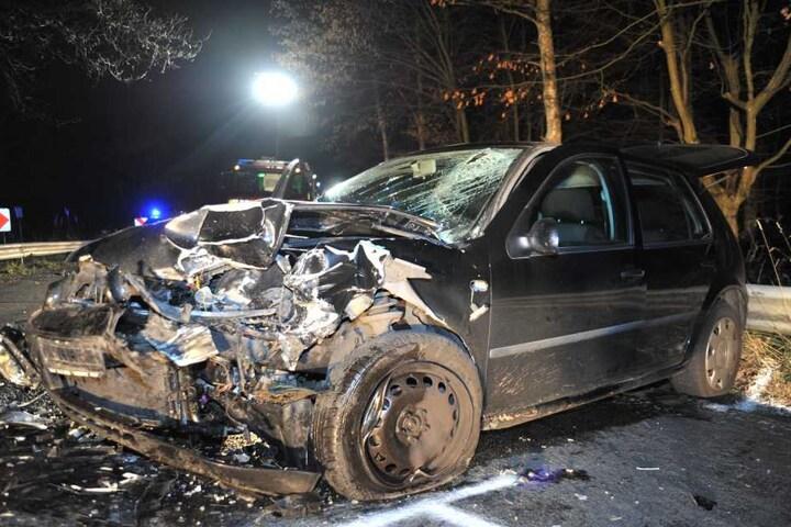 Beide Autos wurden erheblich beschädigt.
