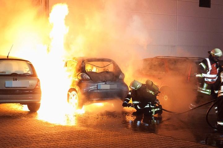 Brandserie im Erzgebirge: In Lößnitz steckten Feuerteufel diesen Toyota bereits im Februar an.