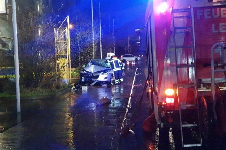 Die Fahrerin des Hyundai i30 wurde leicht verletzt.