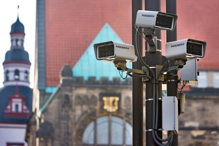 Insgesamt 31 Kameras überwachen die Chemnitzer Innenstadt, die Grünen protestieren dagegen.