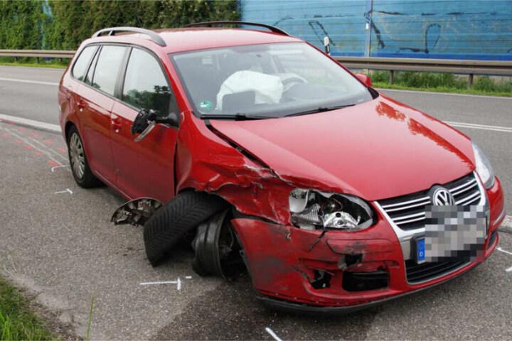 Die Fahrerin dieses Kombis hatte den Unfall verursacht.
