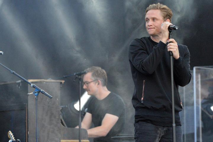 Matthias Schweighöfer (36) eröffnete am Samstagabend auf dem Theaterplatz die Konzert-Saison.