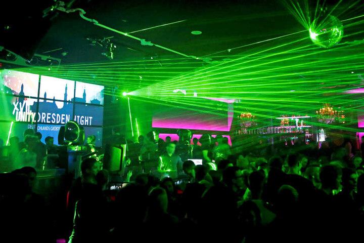 """Der """"Musikpark"""" am Wiener Platz - auch hier wird bei der """"Unity Dresden  Night"""" getanzt."""